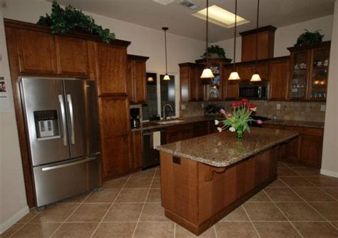 kraftmaid kitchen cabinets catalog kraftmaid cognac maple kitchen house reno 6718