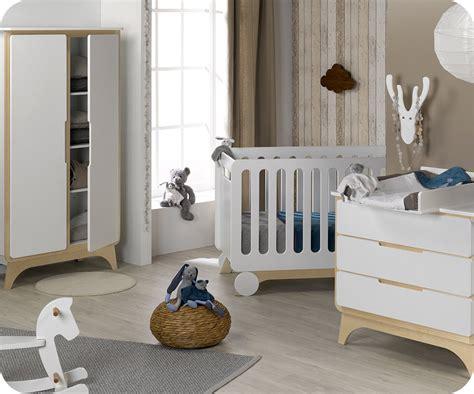 chambre blanche et bois chambre bébé complète pepper blanche et bois