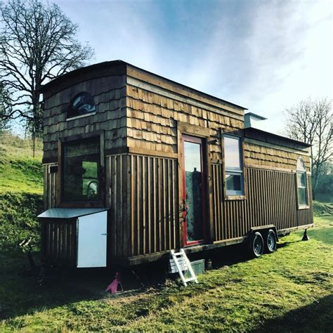 cabin on wheels cabin on wheels tiny house