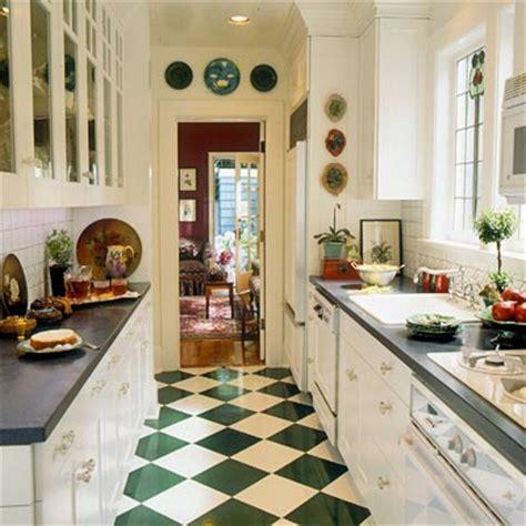 vintage galley kitchen schmale k 252 chen interieurs 16 praktische vorschl 228 ge 3196