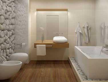 salle de bain design galet et carrelage blanc
