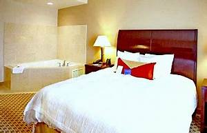 Ohio jacuzzir suites romantic hot tub hotel rooms bbs for Honeymoon suites in cincinnati ohio