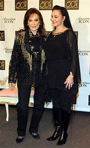 Loretta Lynn and Crystal Gayle | famous sibling | Pinterest