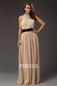 robe de soiree longue pour mariage col americain ornee de With robe pour un mariage avec bijoux
