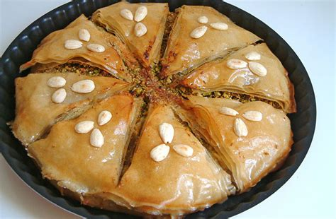 cuisines du monde recette de la pastilla marocaine aux amandes et au poulet