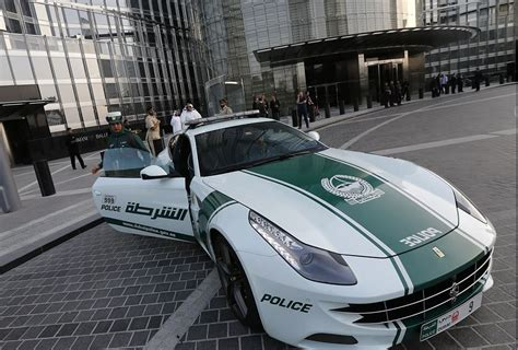 Fastest Cop Cars by Uae It S Official The Fastest Cop Car In The World Is