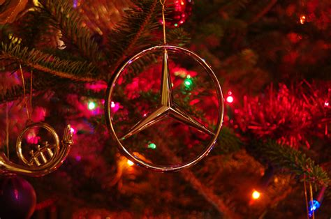 mercedes christmas 3 seconds of festive photography