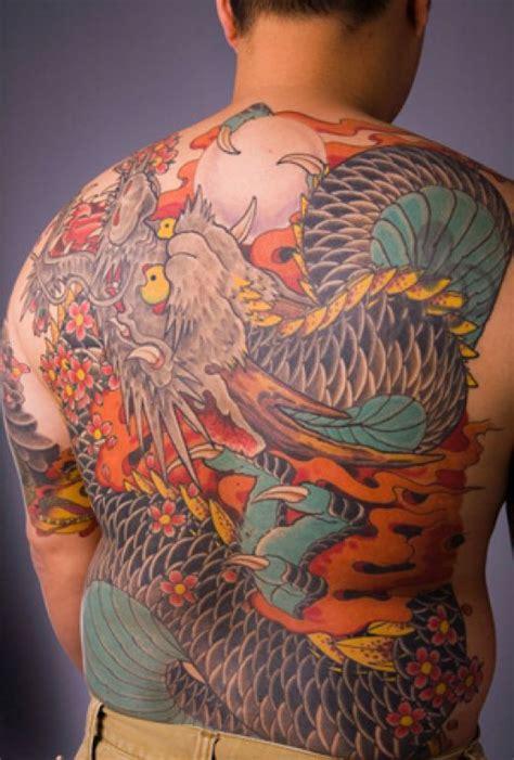 tatouage de dragon tattoo de dragon tribal symbolique du