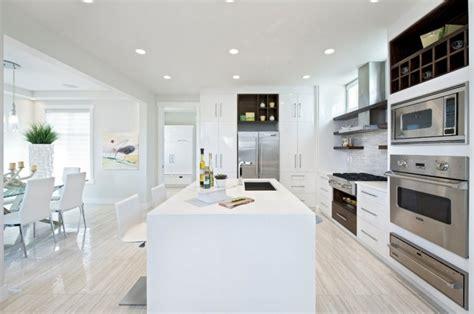 cuisines blanches design cuisine minimaliste de couleur blanche 25 idées pour vous