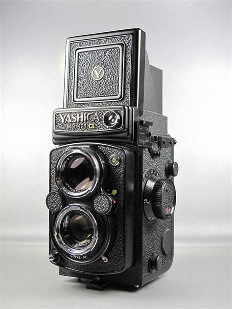 yashica mat 124g used yashica mat 124 g sold at cameratechs cameratechs inc