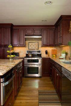 light cherry kitchen cabinets cherry cabinets light countertops pretty backsplash 6972