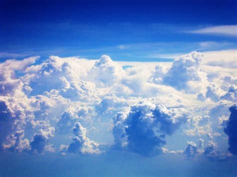ใคร ........ มาย้ายท้องฟ้าฉันไป
