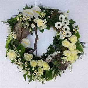 rouwkrans / funeral wreath | funeral flowers | Pinterest