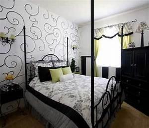 White bedroom wallpaper, light blue and white flag light ...