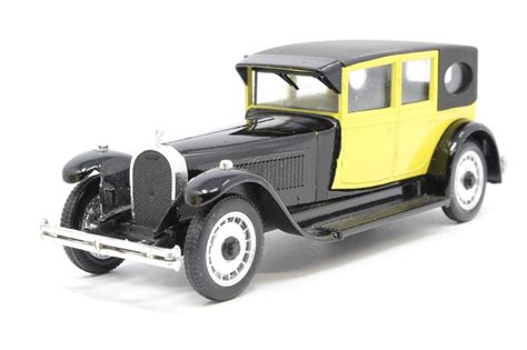 The bugatti type 41, better known as the royale, is a large luxury car built from 1927 to 1933 with a 4.3 m (169.3 in) wheelbase and 6.4 m (21 ft) overall length. hattons.co.uk - Rio 74Rio-PO 1929 Bugatti Royale Type 41 in Black/Yellow - Pre-owned - Like new ...
