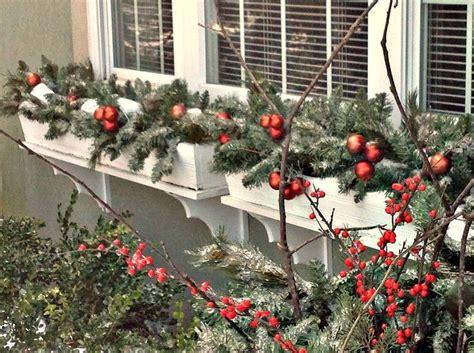 christmas decorating     christmas trees