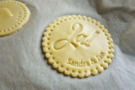 personalisierte kekse als gastgeschenk fuer die hochzeit