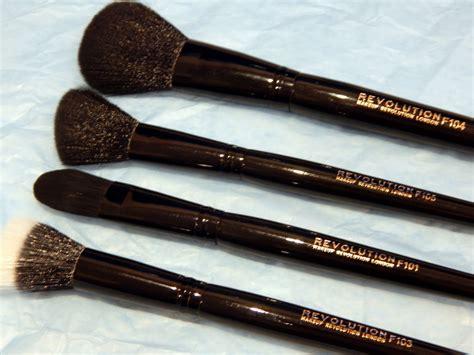makeup revolution pro makeup brushes    loved
