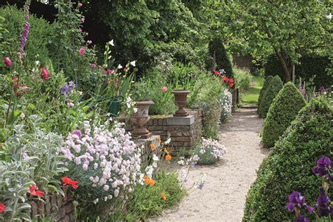 Garten Gestalten Zeichnung by Ein Garten Ist Niemals Fertig