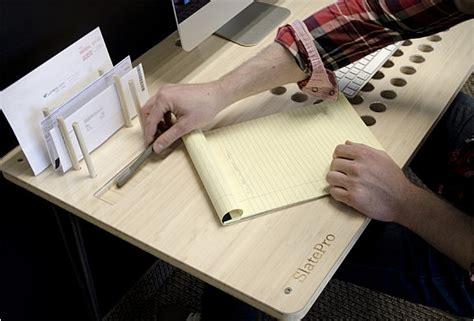 tablette pour bureau bureau minimaliste pour votre ordinateur tablette et