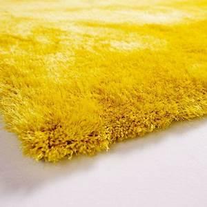 tapis shaggy jaune en polyester par tapis chic collection With tapis jaune citron