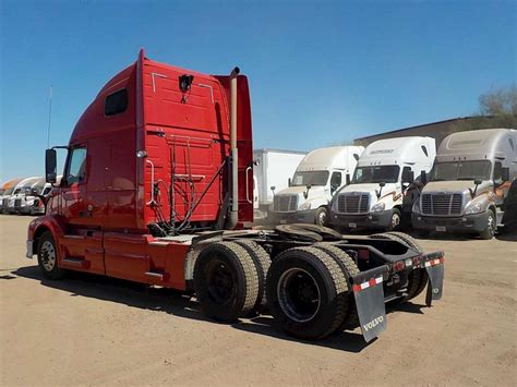 semi truck sleepers 2013 volvo vnl64t670 sleeper semi truck for sale 388 620