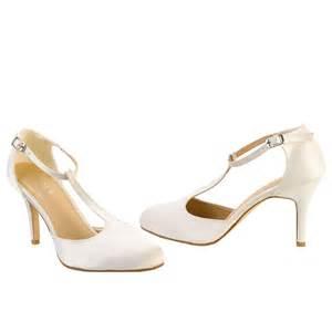 chaussures de mariage chaussure mariage type charleston satin ivoire