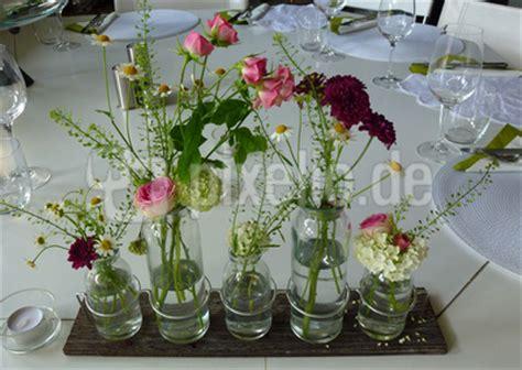 Kleine Vasen Fur Tischdeko Kleine Vasen F R Sch Ne Blumen Tischlein