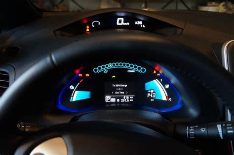 2013 Nissan Leaf Dashboard.jpg