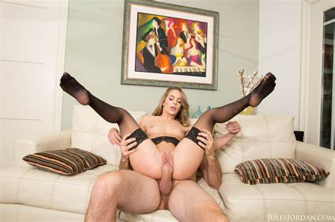 Attractive Kimmy Granger Bounces Her Good Round Pussy