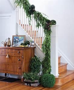Décoration D Escalier Intérieur : d co de no l des entr es et escaliers festifs maison et demeure ~ Nature-et-papiers.com Idées de Décoration