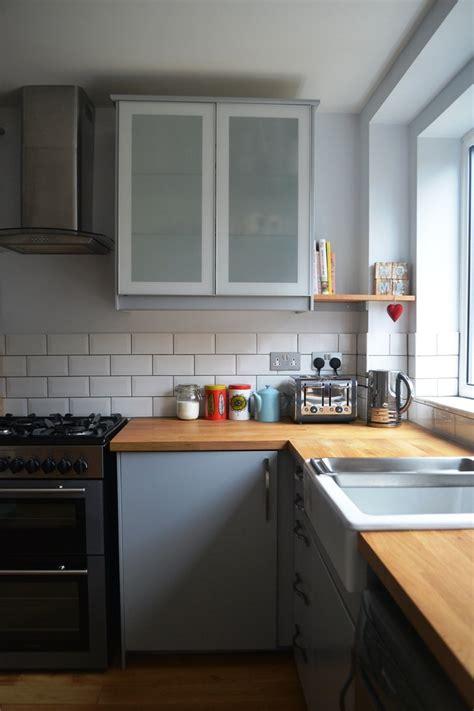 cuisine et gris cuisine gris et bois en 50 modèles variés pour tous les goûts