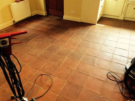 Deep Cleaning Terracotta Kitchen Tiles How To Keep A White Bathtub Clean Woman In Portable For Children Get Porcelain Custom Size Bathtubs Suppliers Copper And Sinks Unclogging Drain Wall Mount Faucets