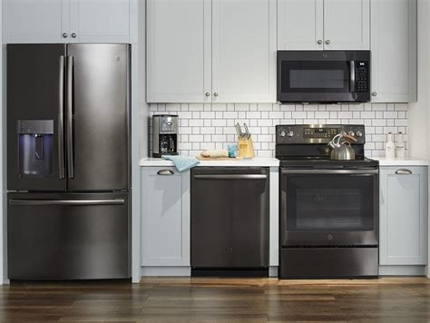 dreaming    kitchen  ge black stainless steel appliances midgetmomma