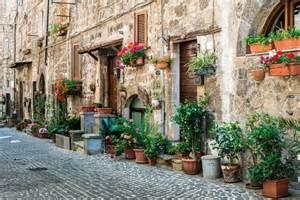 italian villa style homes traditional italian homes buildings stock photo