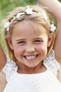 Couronne De Fleurs Mariage Petite Fille : coiffures de mariage pour petite fille l 39 express styles ~ Dallasstarsshop.com Idées de Décoration
