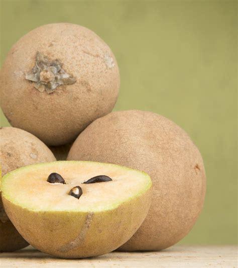 amazing benefits    sapota chikoo  skin