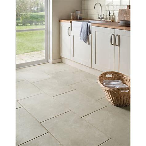 kitchen and bathroom flooring wickes como travertine porcelain tile 600 x 400mm wickes 4992