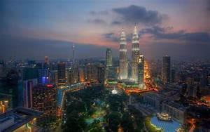 HD City Park Great Skyscrapers In Kuala Lumpur Hdr ...