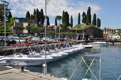 Trophy Boats Out Of Business by Rent A Boat Peschiera Garda La Cura Dello Yacht