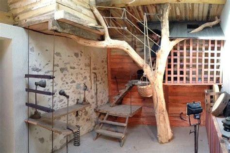 chambre cabane dans les arbres cabane l arbre entre dans la chambre esprit cabane