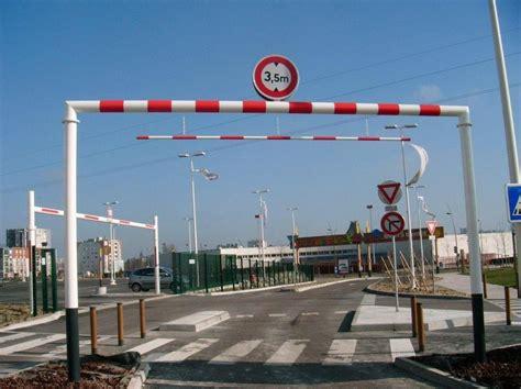 Barrière Carrefour De La Chapelle Saint Luc