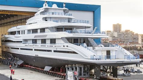 james packers giant  superyacht unveiled