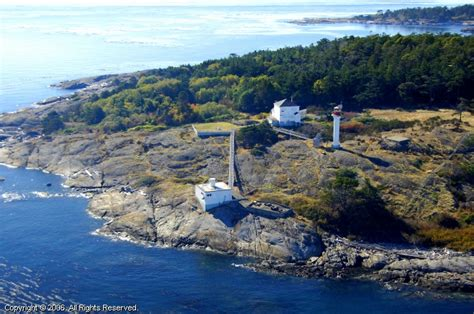discovery island lighthouse victoria british columbia