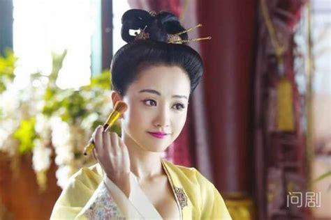 杨蓉老公是谁 她曾默认有圈外男友 - 问剧