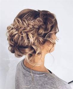 29 Charming Bride's Wedding Hairstyles For Naturally Curly Hair Weddingomania
