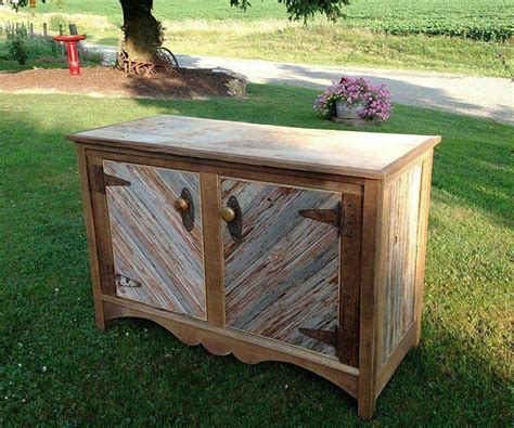 Barn Wood Project Ideas by Diy Barn Wood Projects For The Home Diy And Crafts