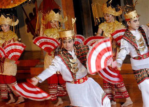 sacred movement  melinting dance lampung visit indonesia   beautiful