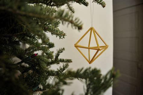 Elsie Marley » Blog Archive » Geometric Straw Ornament