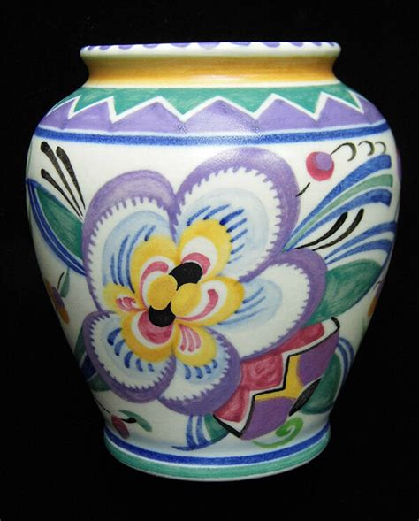 guide  choosing poole pottery vases   home